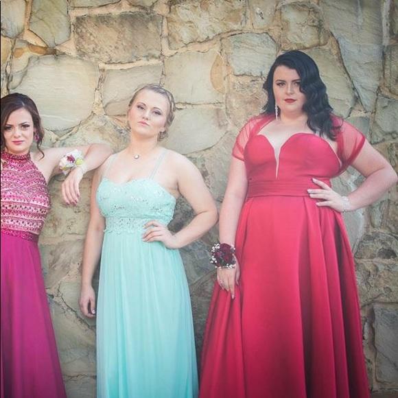 Plus size vintage vibe prom dress